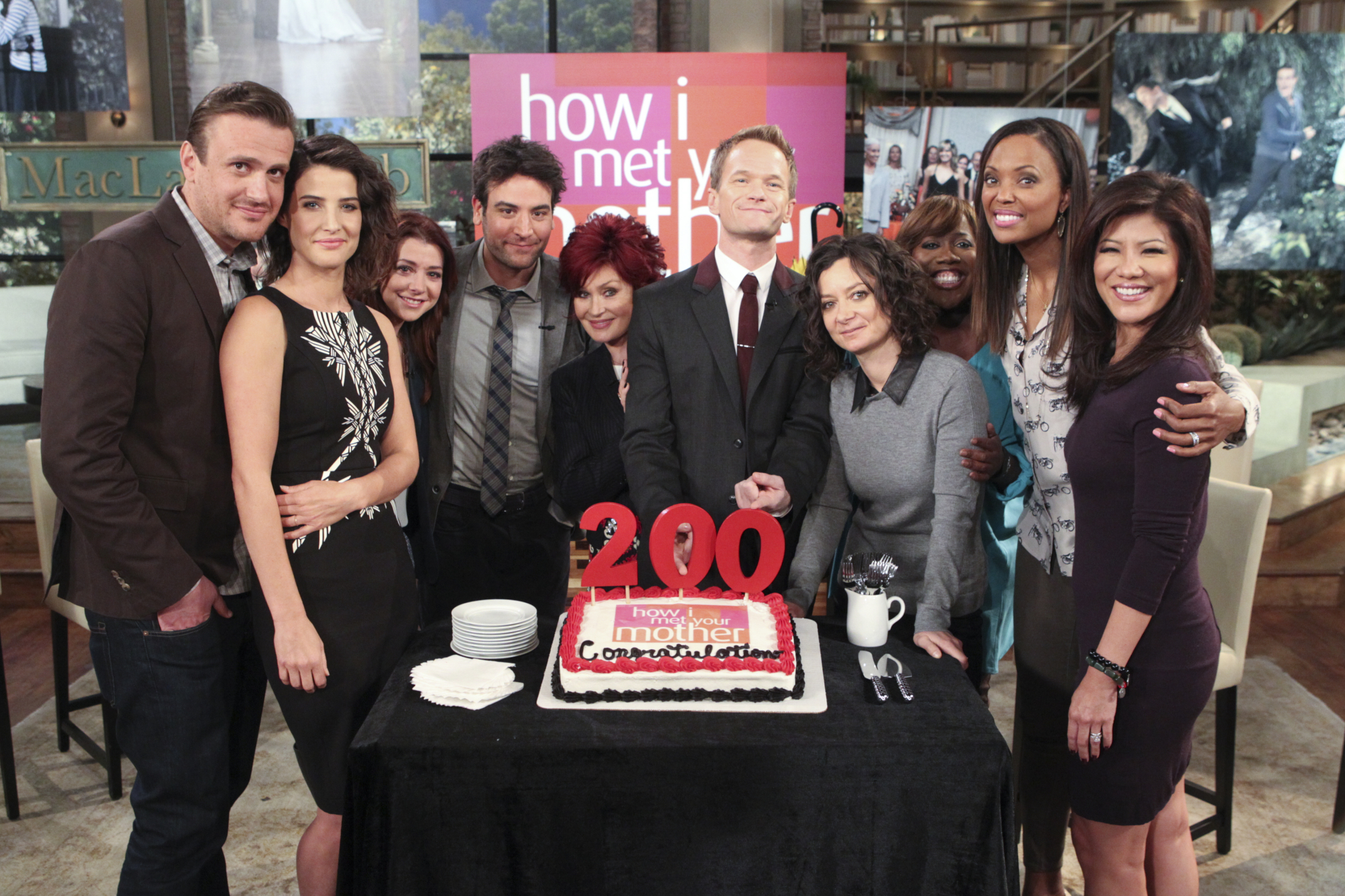 18. Jason Segel, Cobie Smulders, Alyson Hannigan, Josh Radnor, and Neil Patrick Harris - How I Met Your Mother