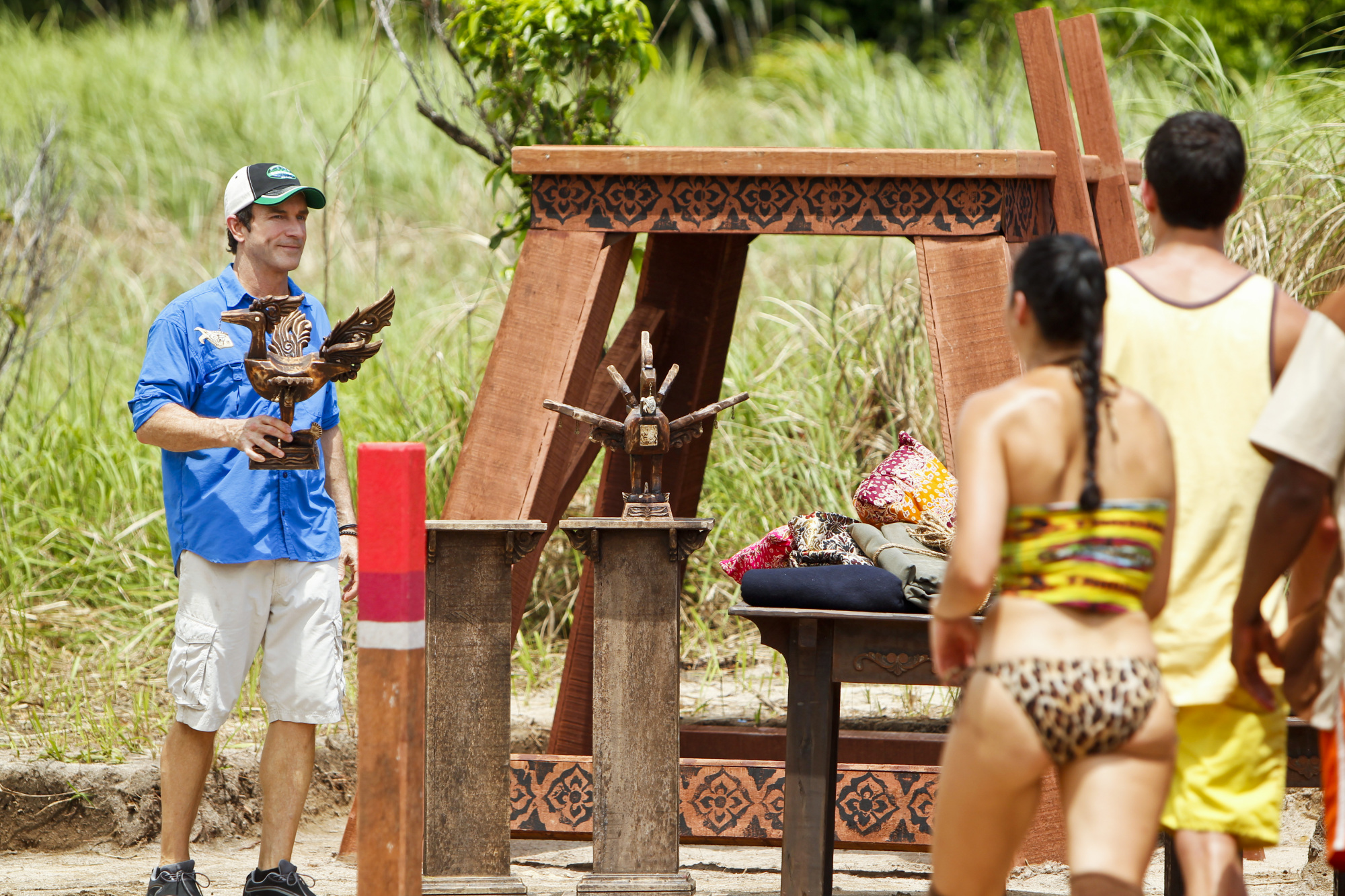 Jeff Probst Presents the Immunity Idol