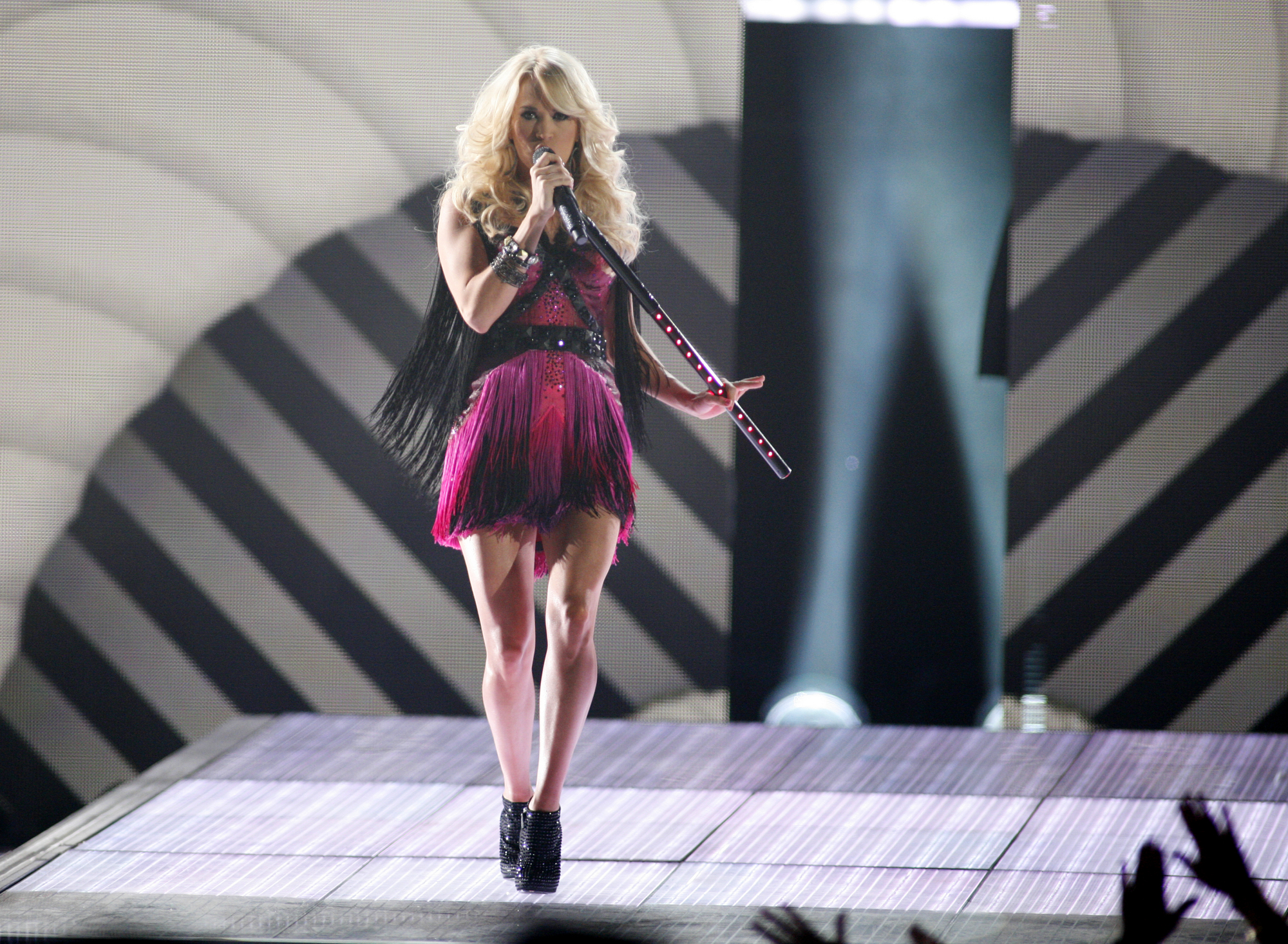 Carrie Underwood, Elton John and More to Perform