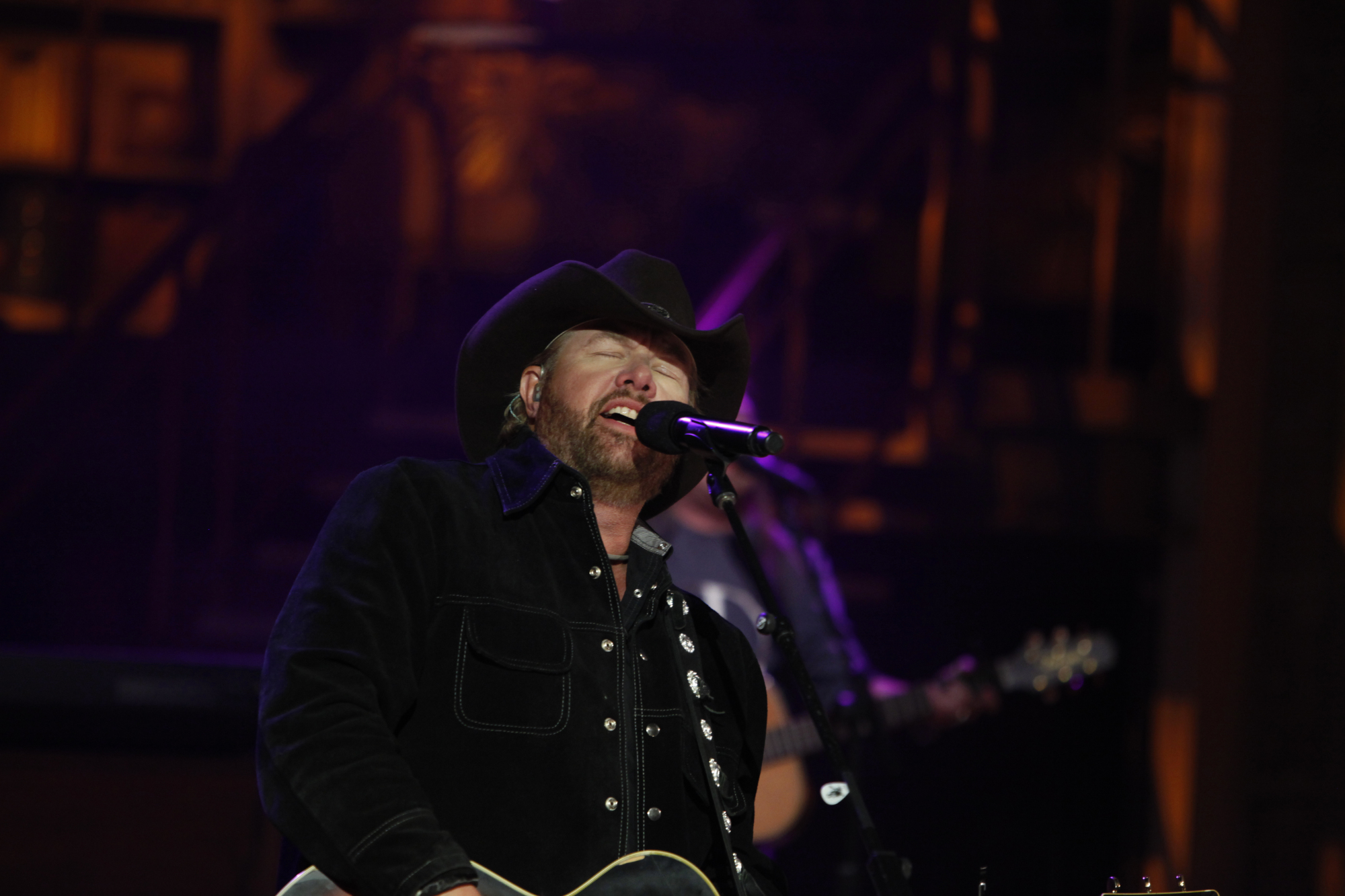Toby Keith Performs 2