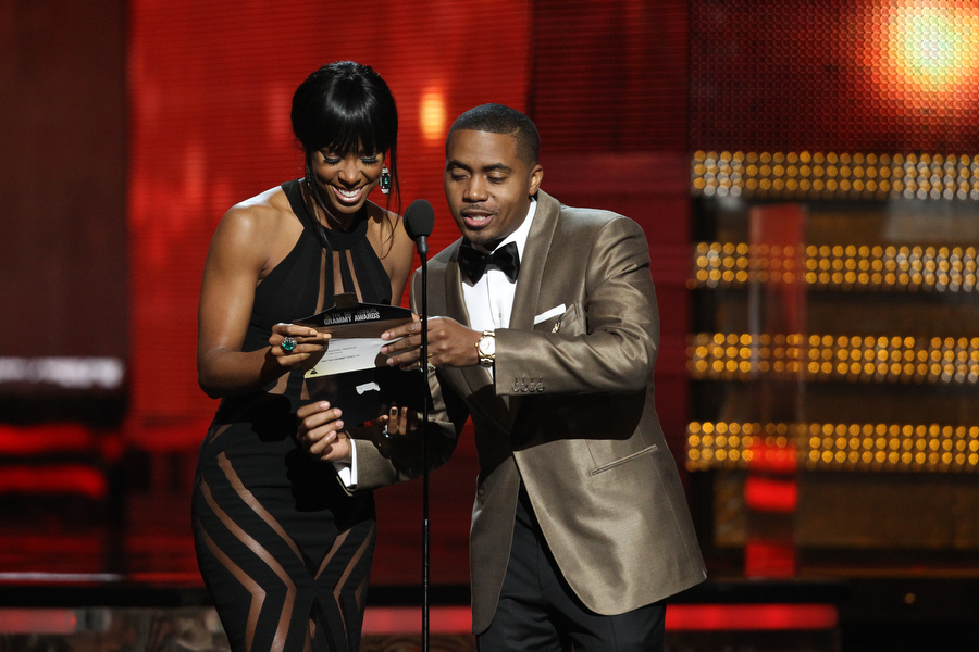 Kelly Rowland and Nas