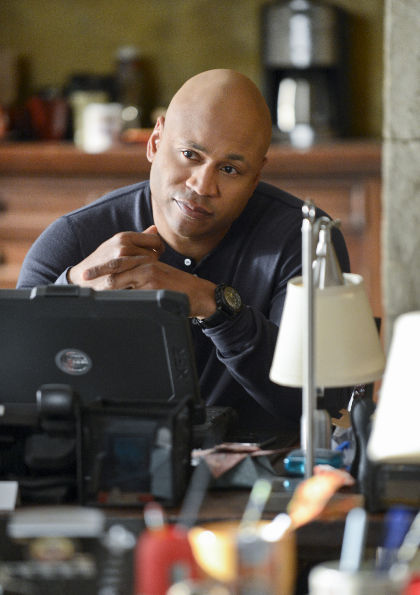 "Desk Work in ""Raven & The Swans"" Episode 22 of Season 4"