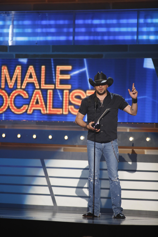 Jason Aldean Wins Male Vocalist