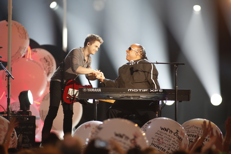 Stevie Wonder & Hunter Hayes
