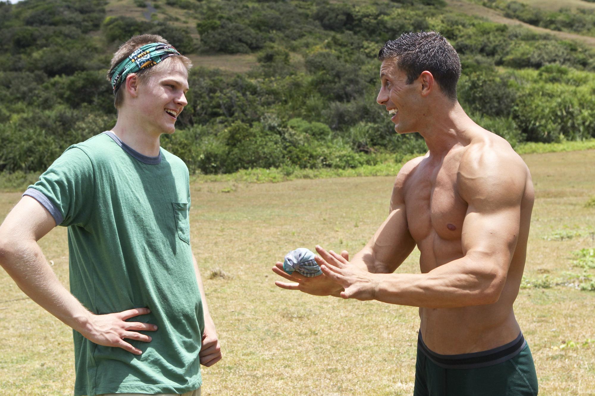Spencer and Garrett in the Season 28 premiere