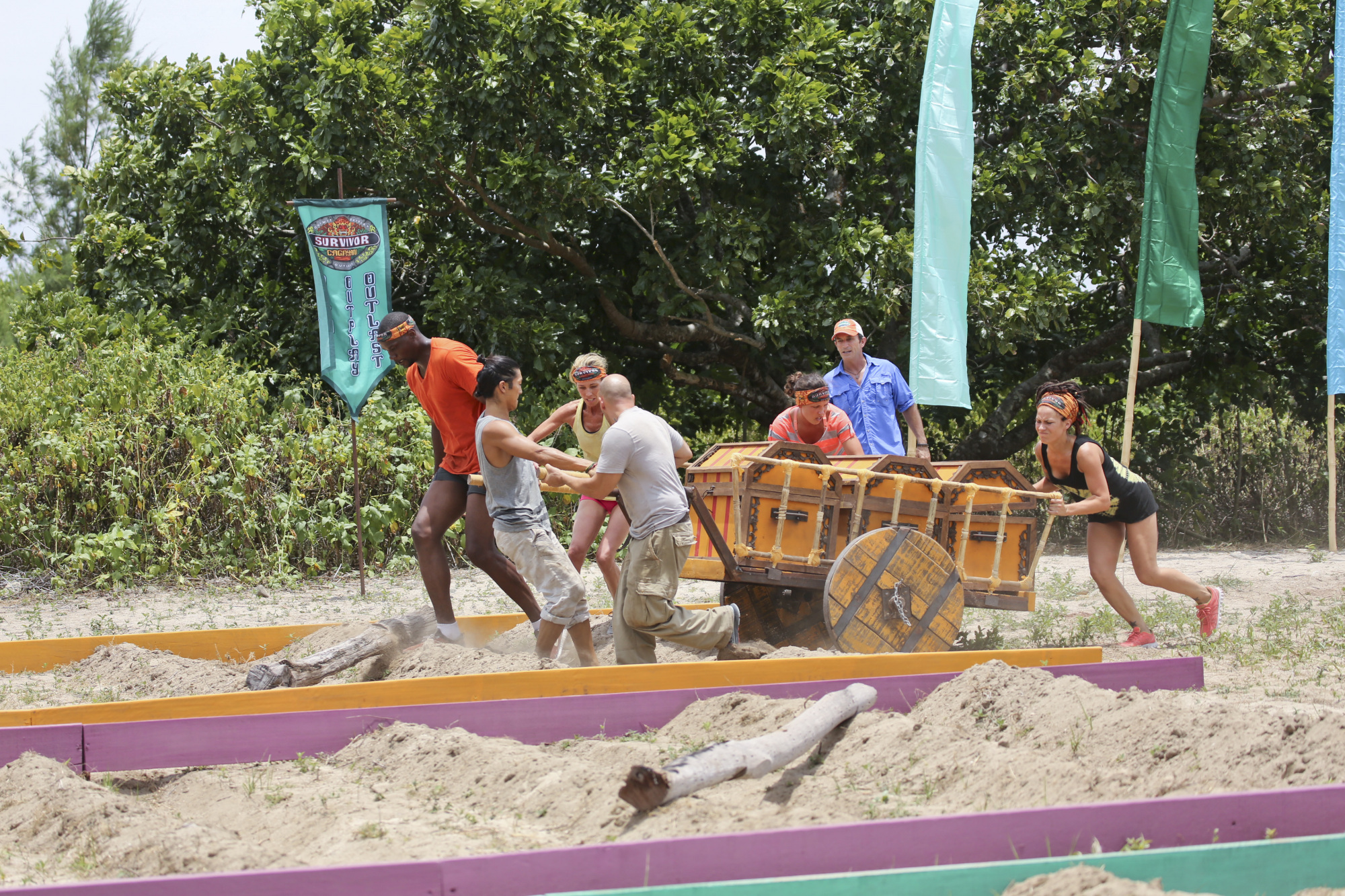 Beauty tribe competes in the Season 28 premiere