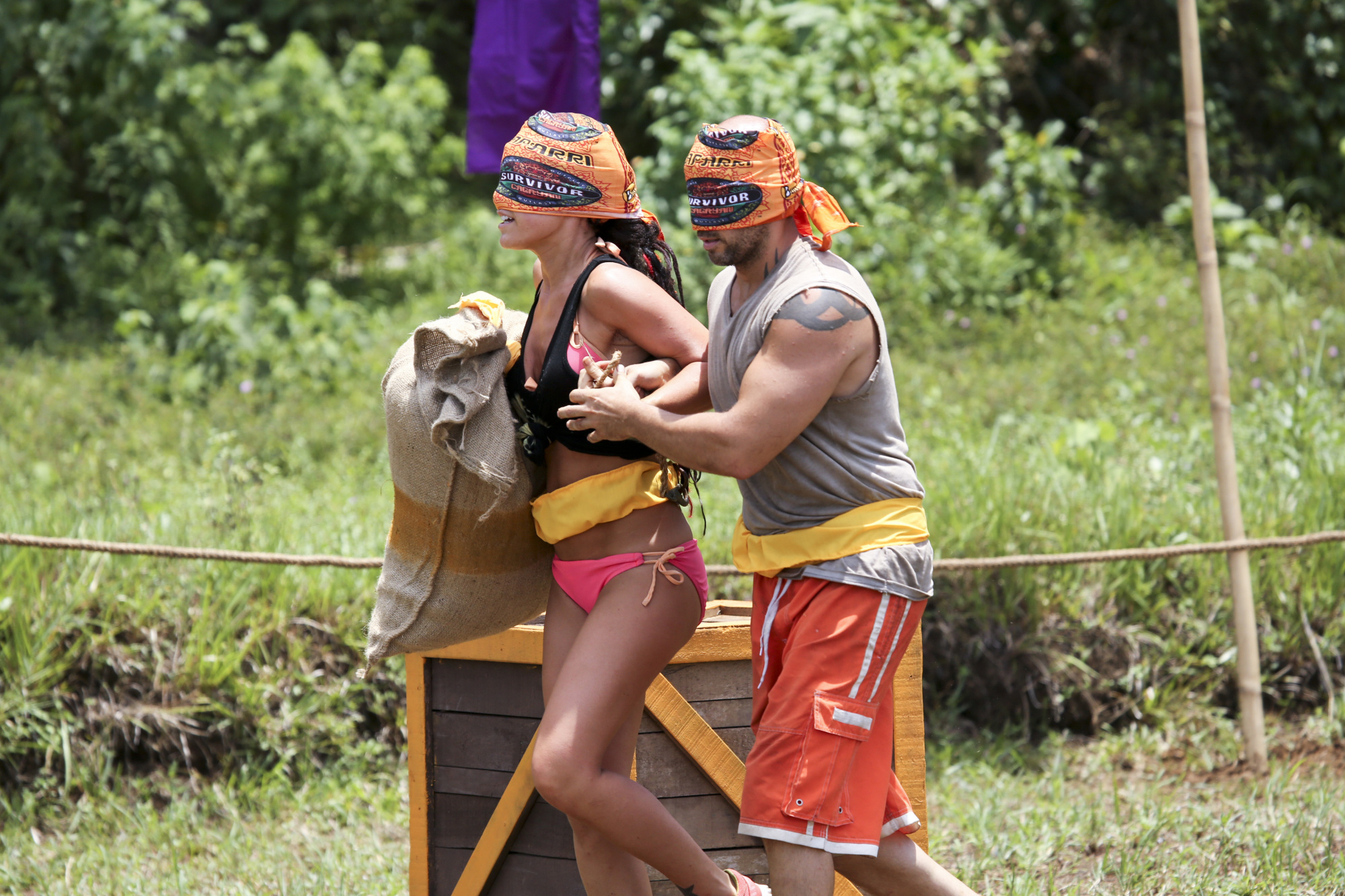 Lindsey and Tony in Season 28 Episode 3