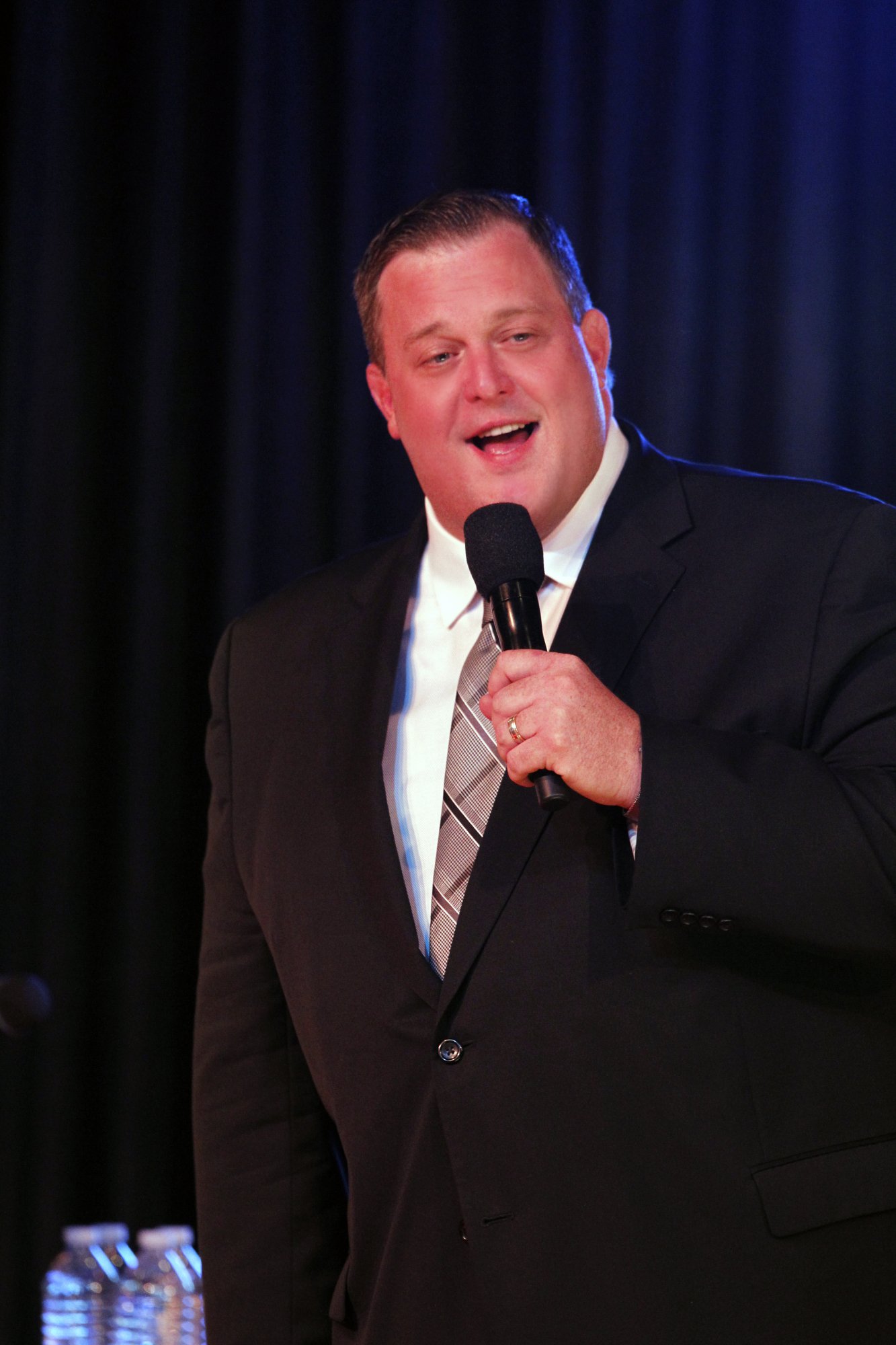 Billy Gardell Performing