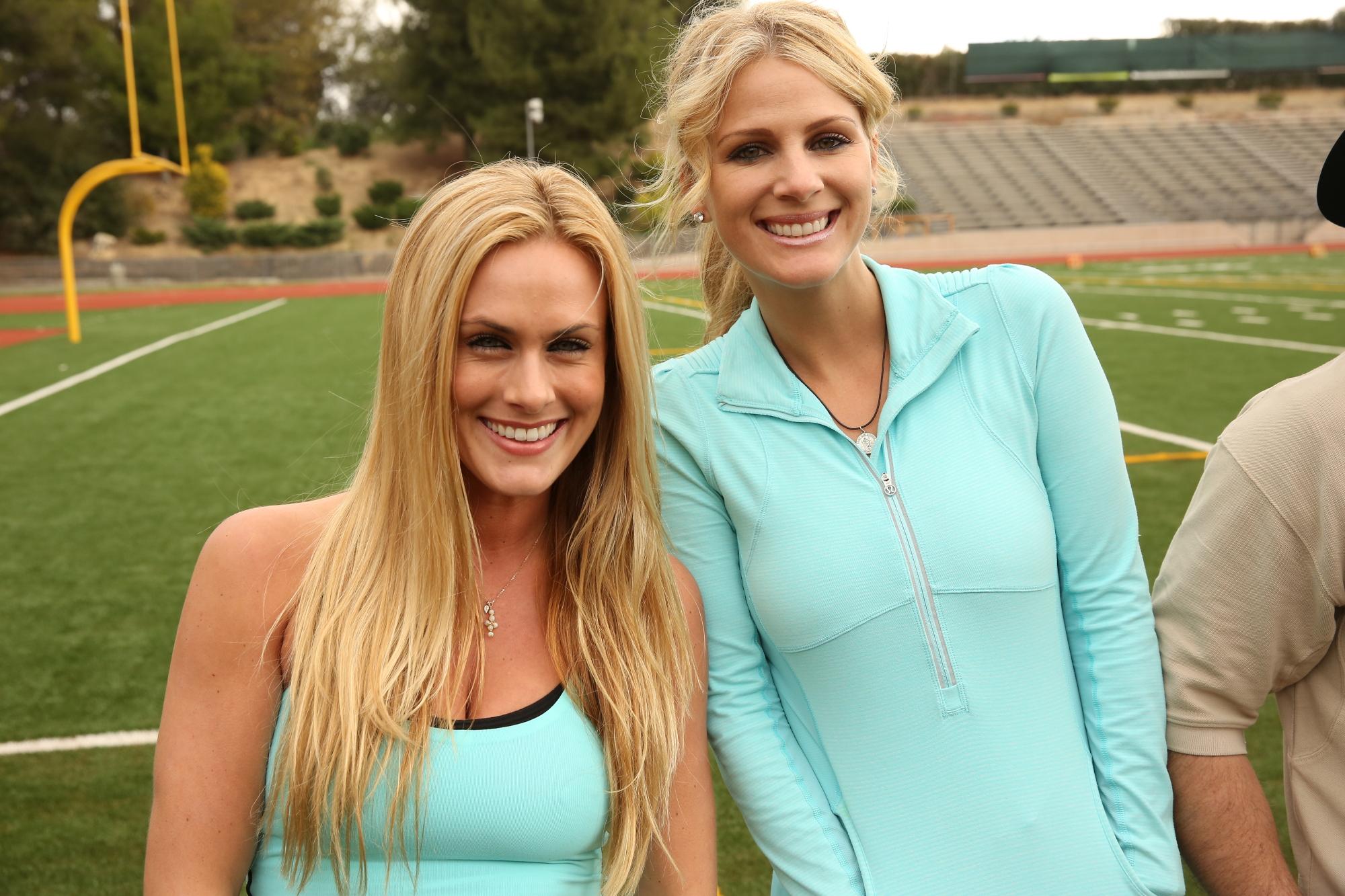Jennifer and Caroline in the Season 24 Premiere