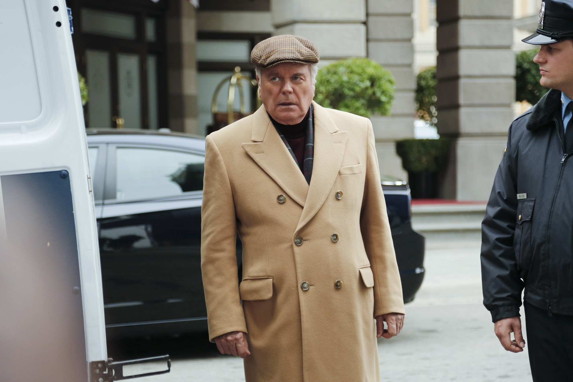 DiNozzo's Father Stunned in