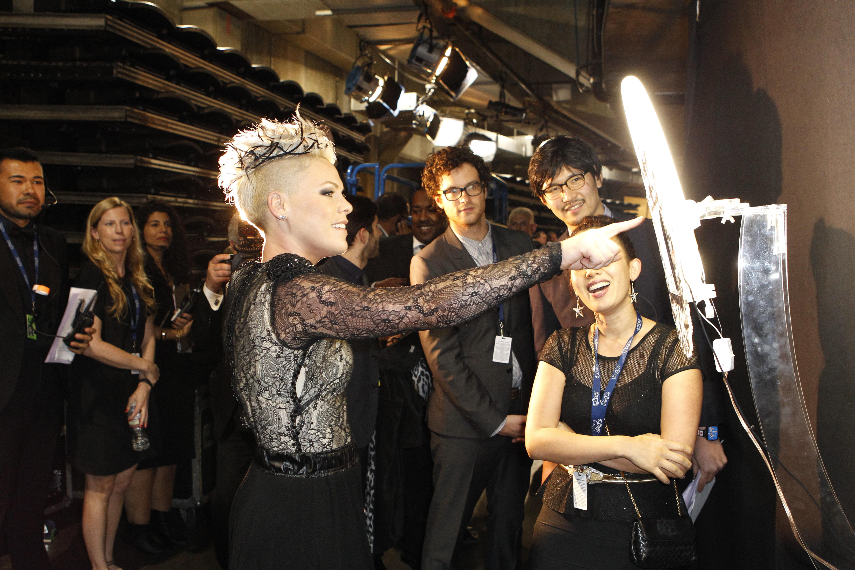 P!nk Backstage - GRAMMYs 2014 - CBS.com