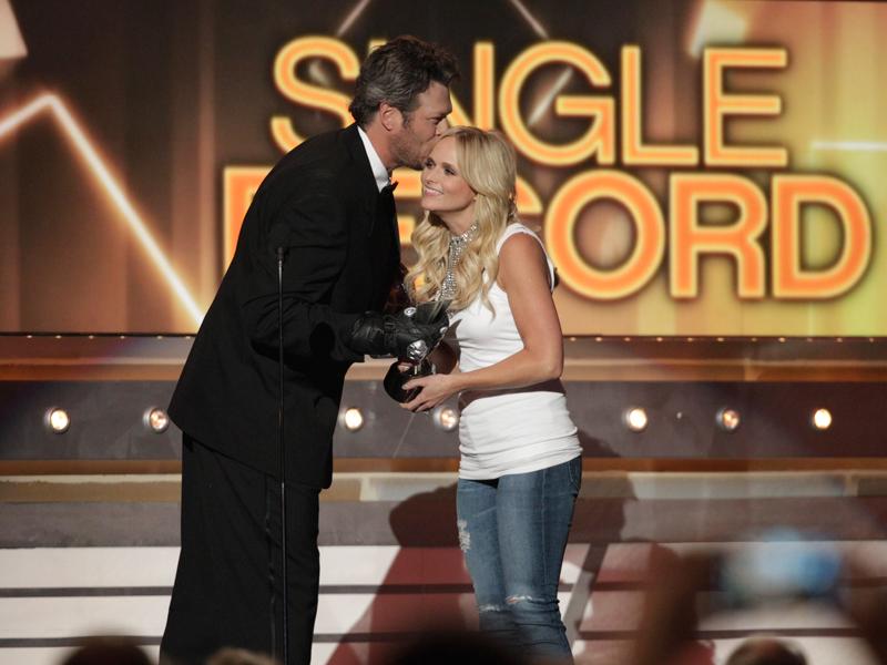 Blake Shelton shows some love to wife, Miranda Lambert - 49th ACM Awards