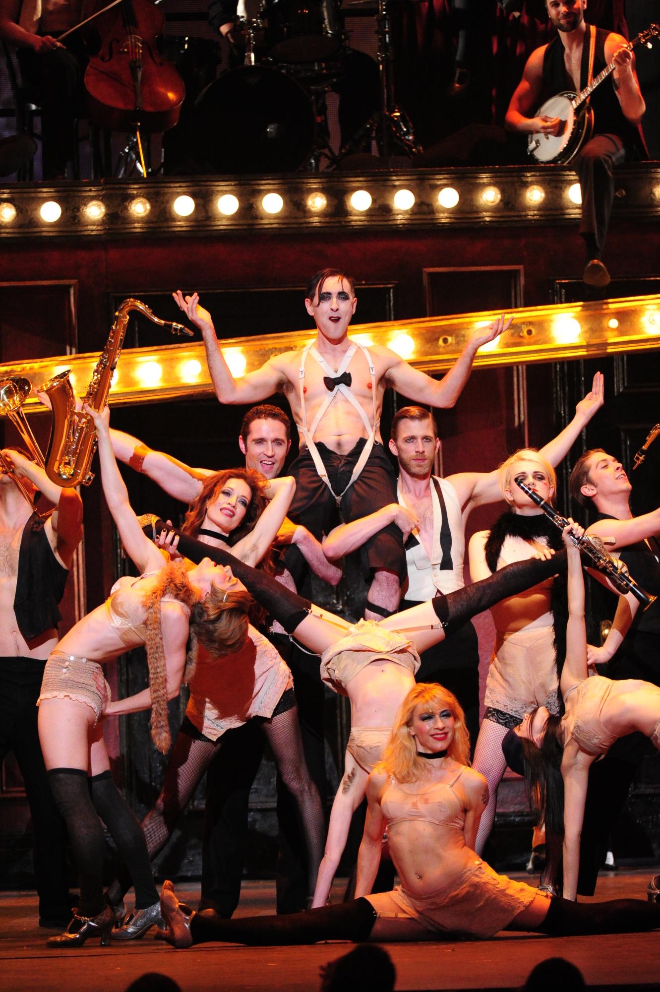 Alan Cumming and the cast of Cabaret - 2014 Tony Awards