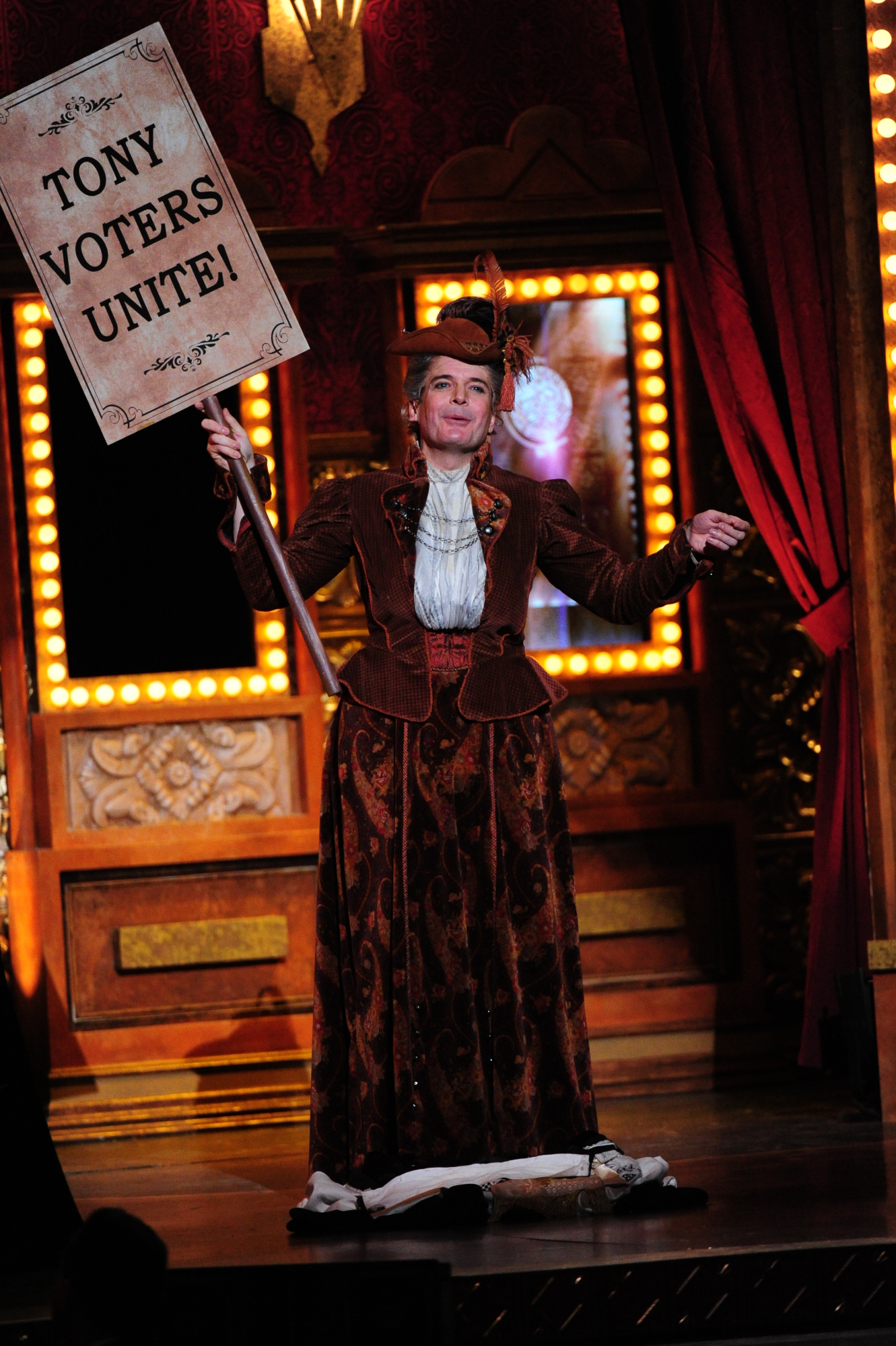 Jefferson Mays for A Gentleman's Guide to Love and Murder