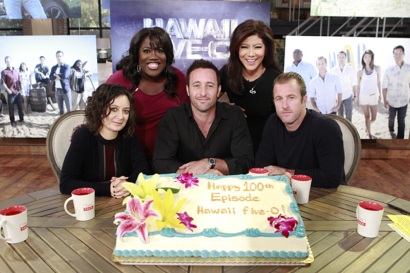Alex O'Loughlin and Scott Caan visit the ladies