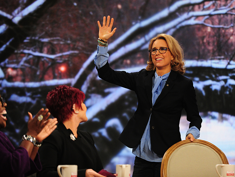 Wave hello to Téa Leoni!