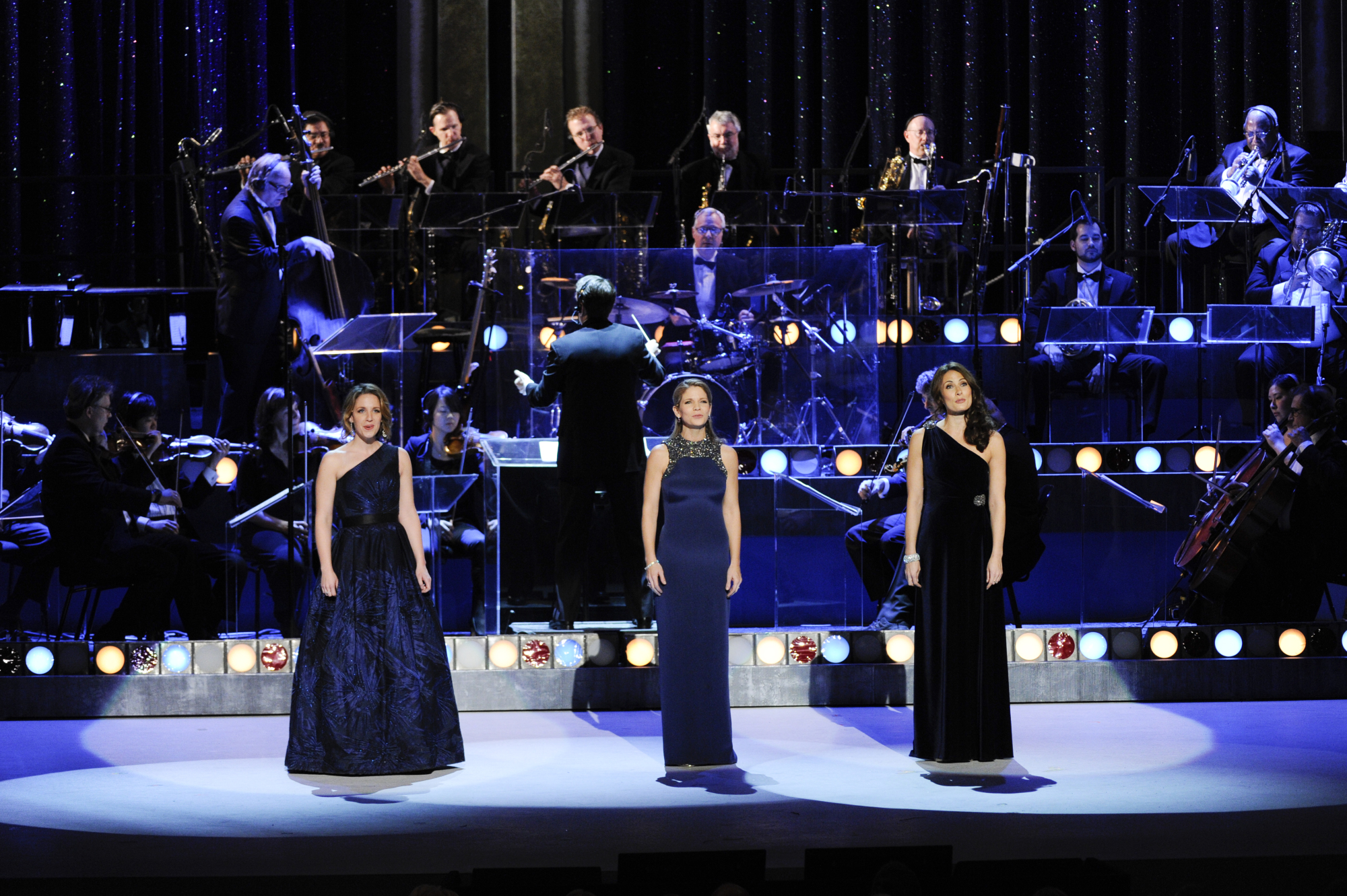 Jessie Mueller, Kelli O'Hara, and Laura Benanti Perform