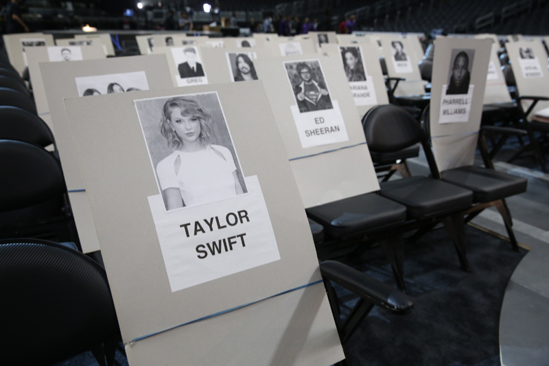 Taylor Swift has to have lots of room for dancing.