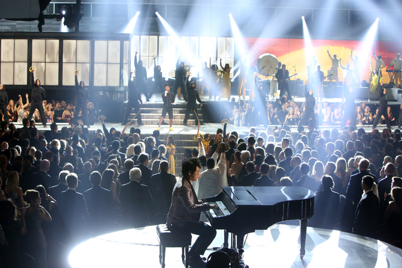Lang Lang Joins Pharrell Williams for His Performance