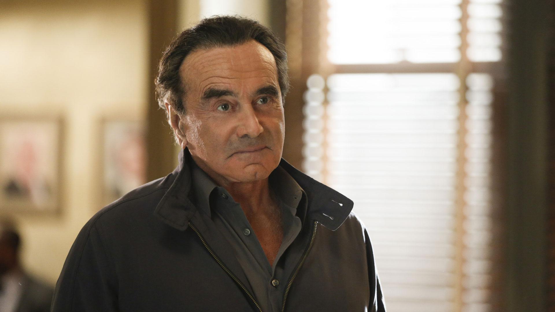 Dan Hedaya as Vincent Rella