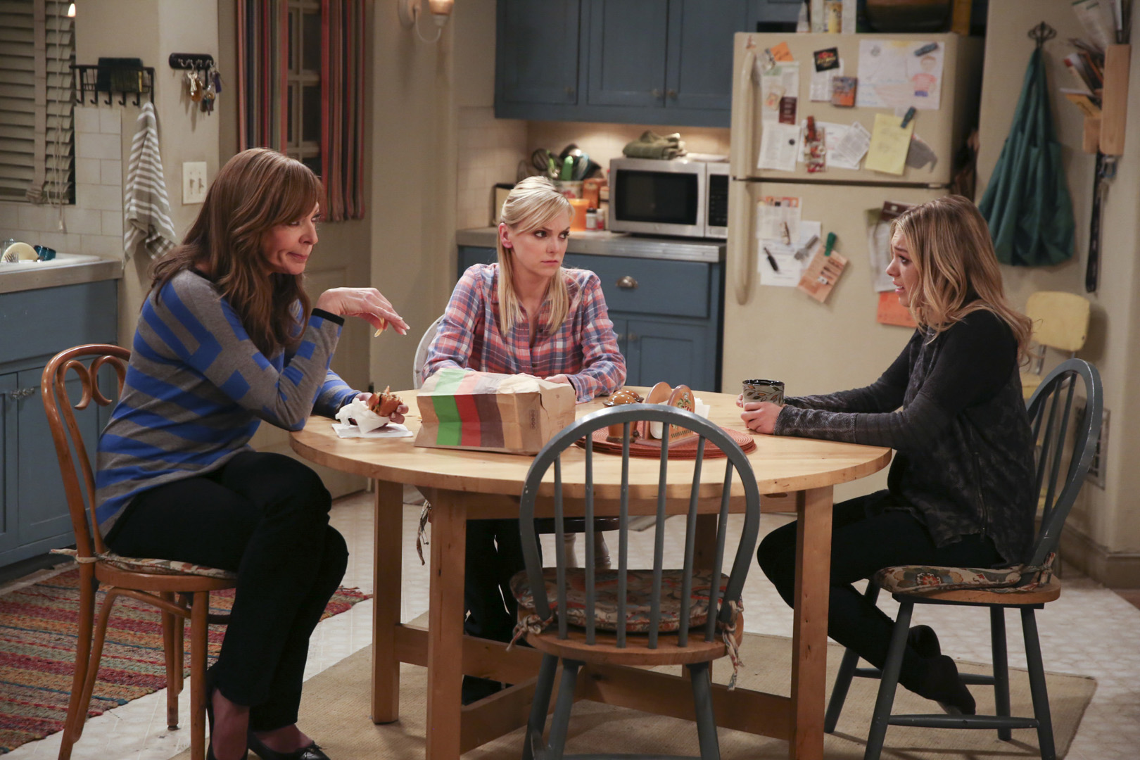 Violet turns to Christy and Bonnie for help during a tough time.