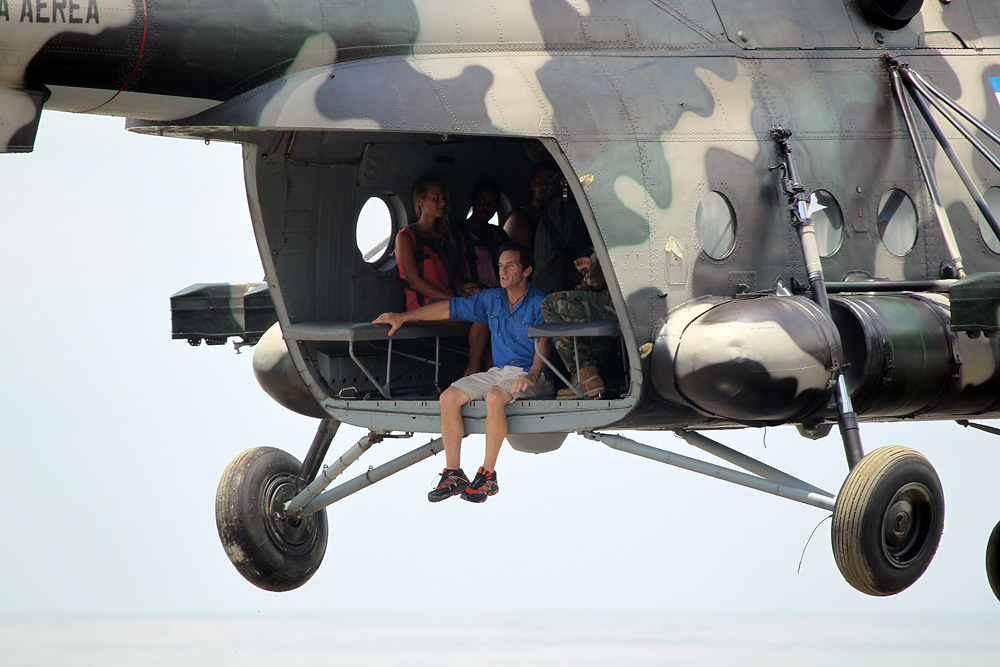 Jeff Probst and Survivors Arrive by Helicopter