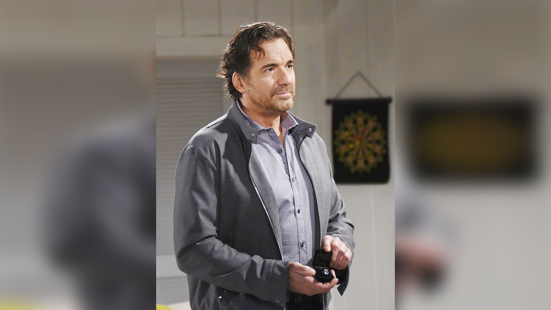 Ridge shows Steffy the engagement ring he asked Quinn to make and asks for his daughter's blessing.