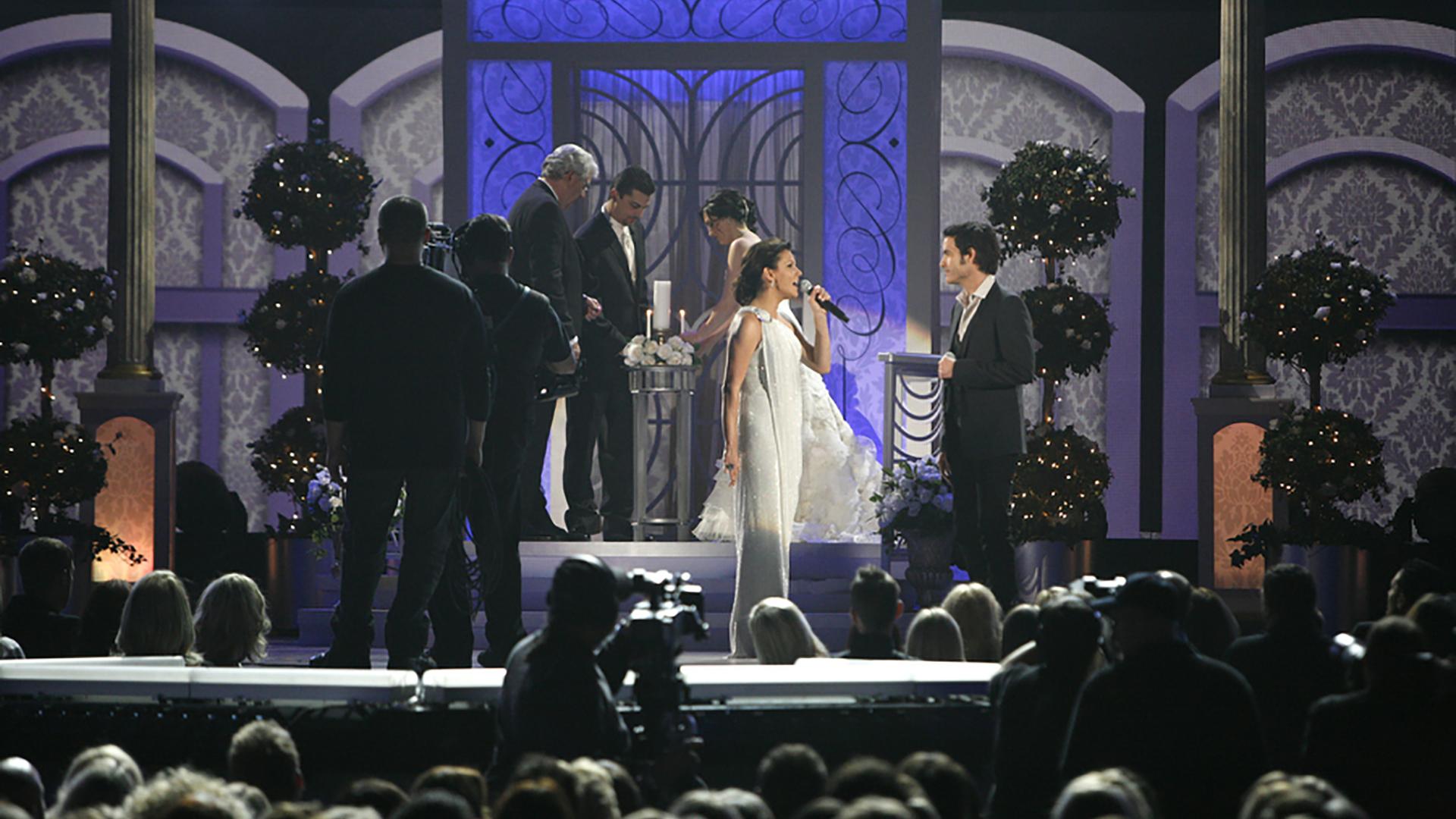 17. Martina McBride and Train singer Pat Monahan perform