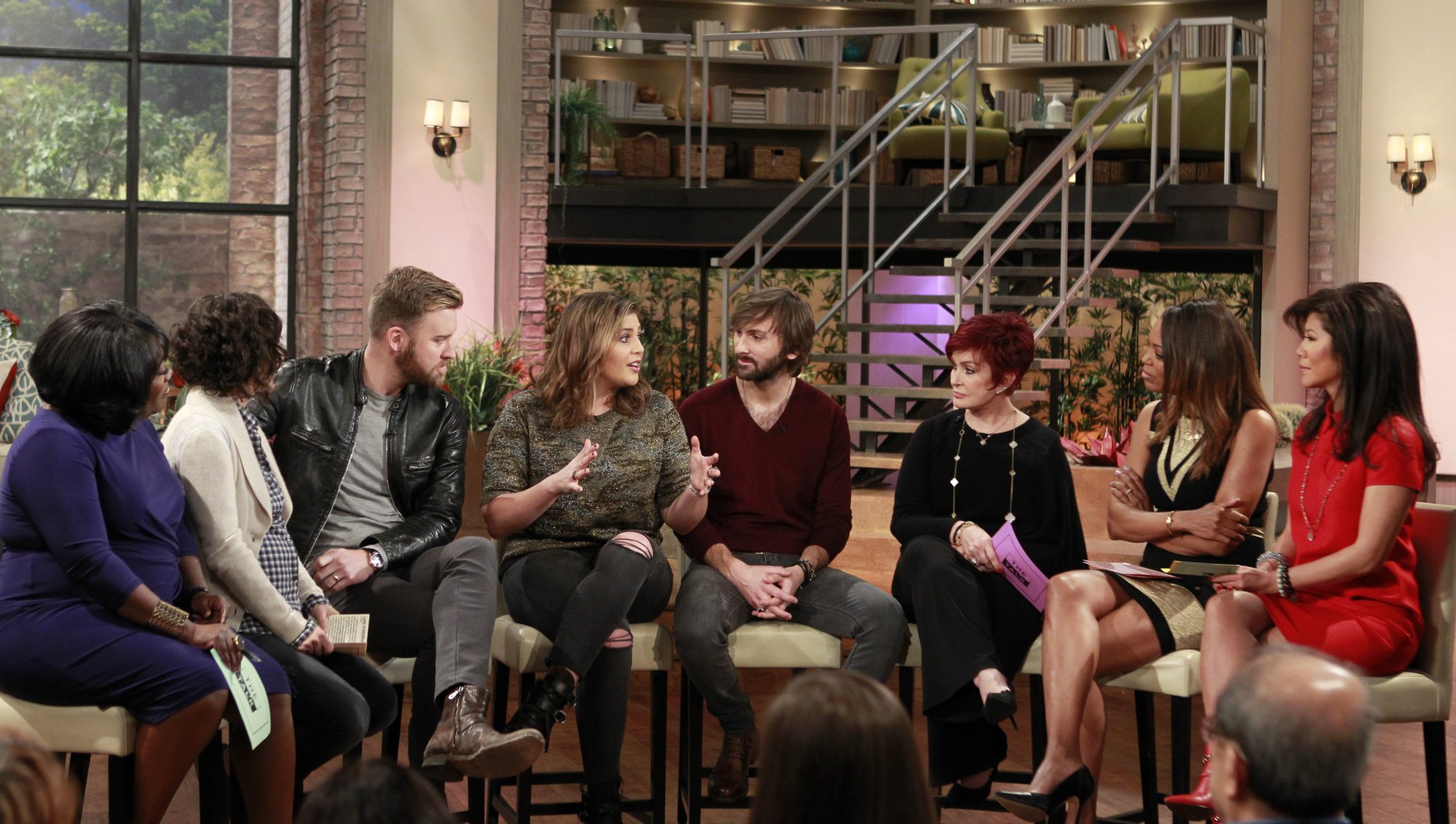 2. Lady Antebellum's surprised the ladies with a live performance.