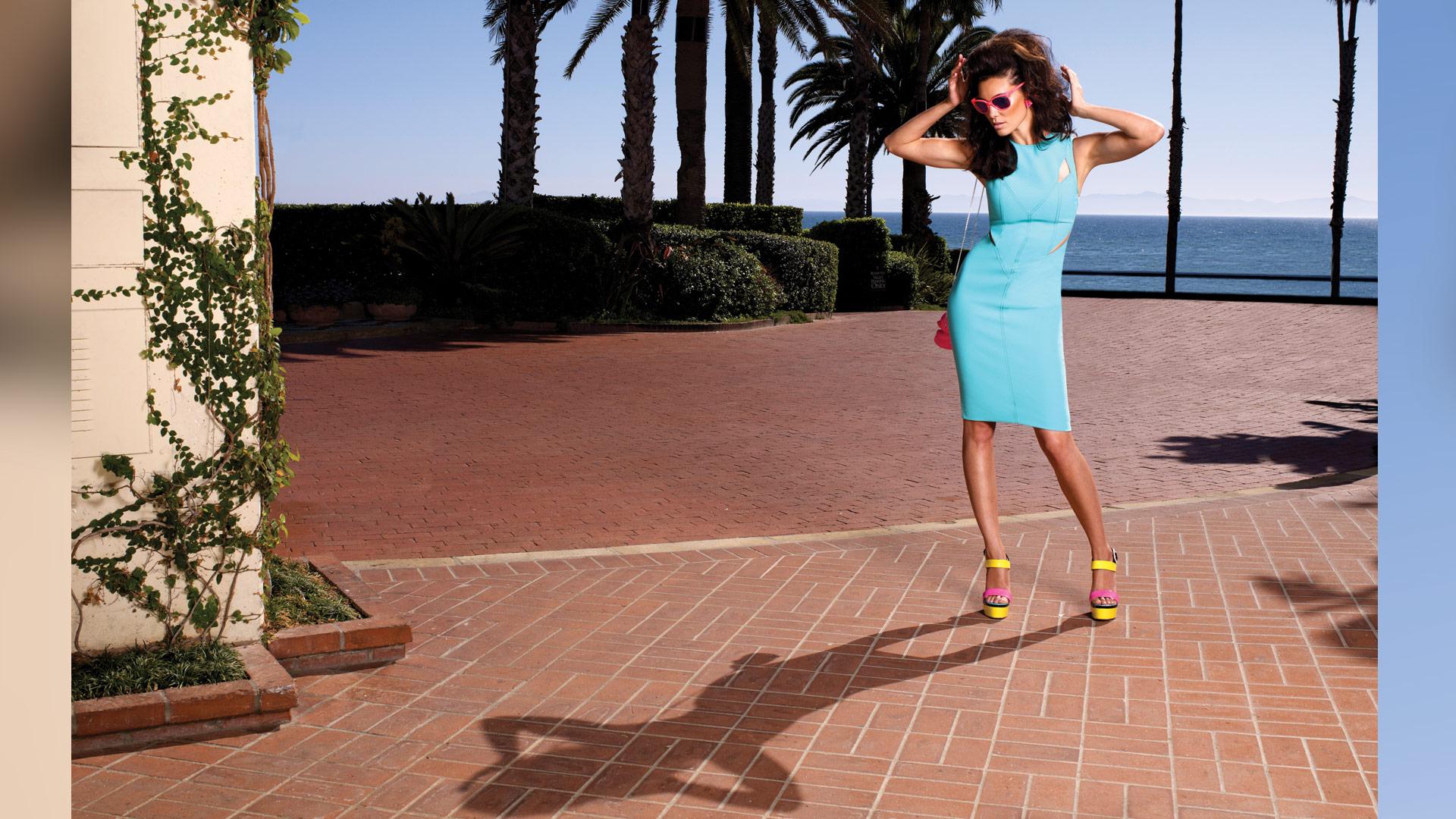 Daniela Ruah is fun and fabulous