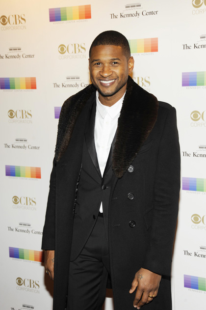 Usher is fashionable as ever on the red carpet.