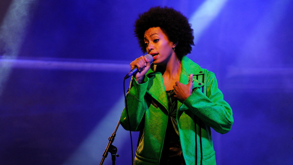 Solange weathers the storm with
