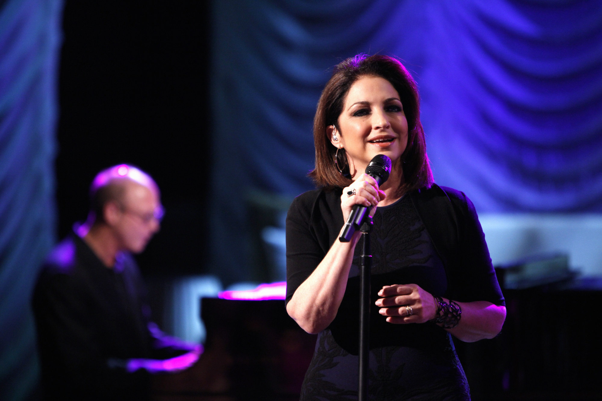 Gloria Estefan On THE TALK.