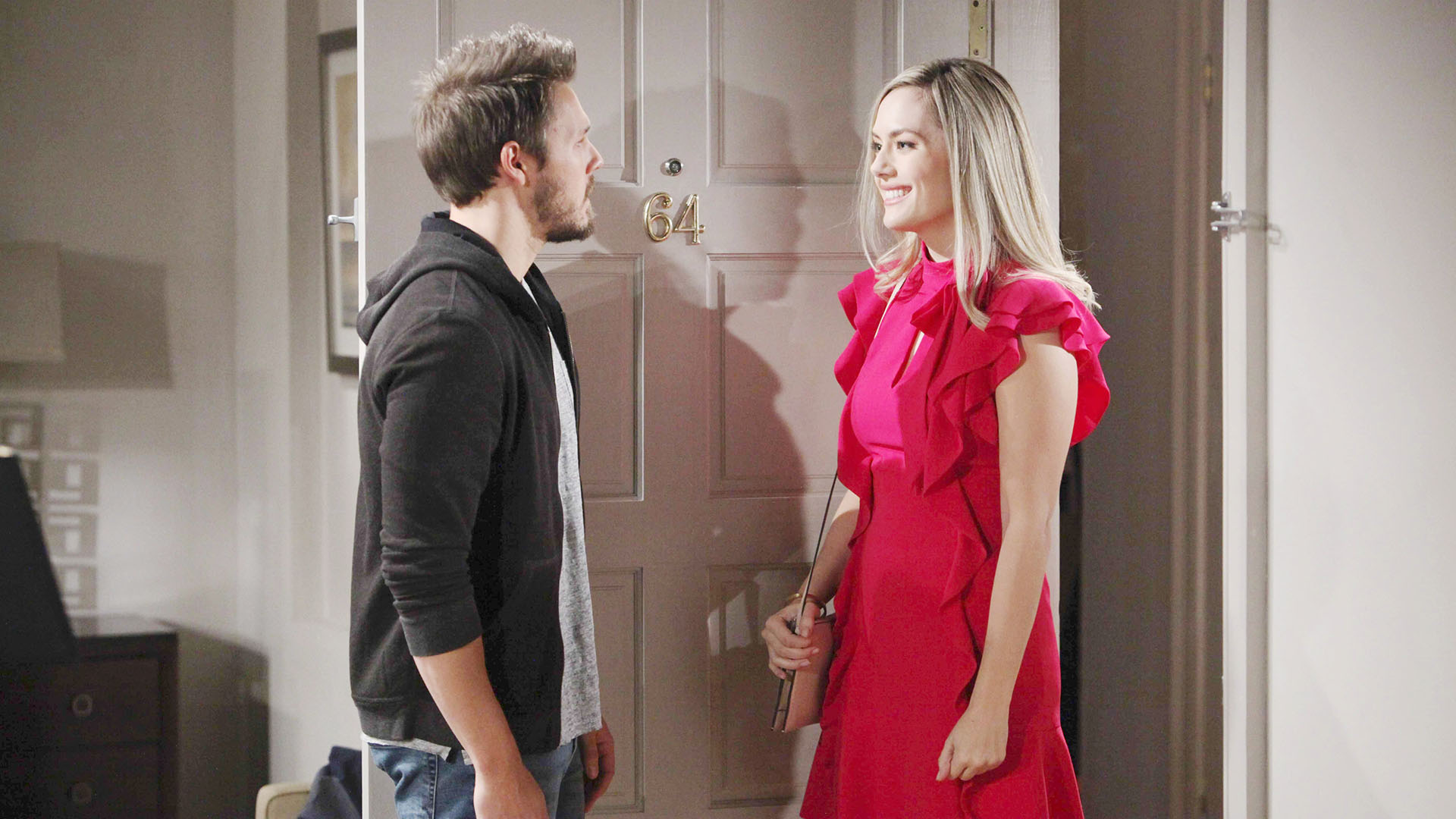 Hope pays Liam a visit and fills him in on what's happened in her life since she left Los Angeles.