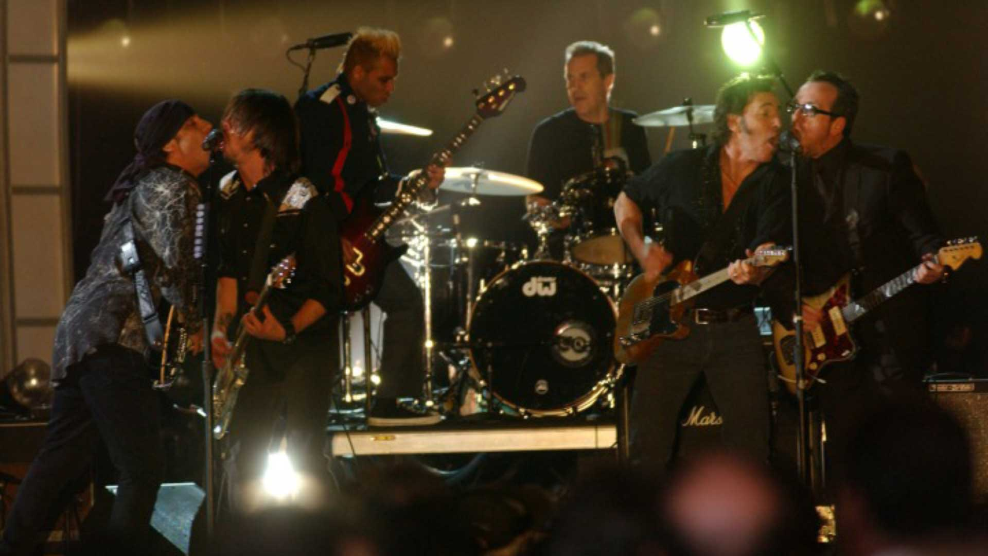 Bruce Springsteen, Elvis Costello, Dave Grohl, Steven Van Zandt, and Tony Kanal perform