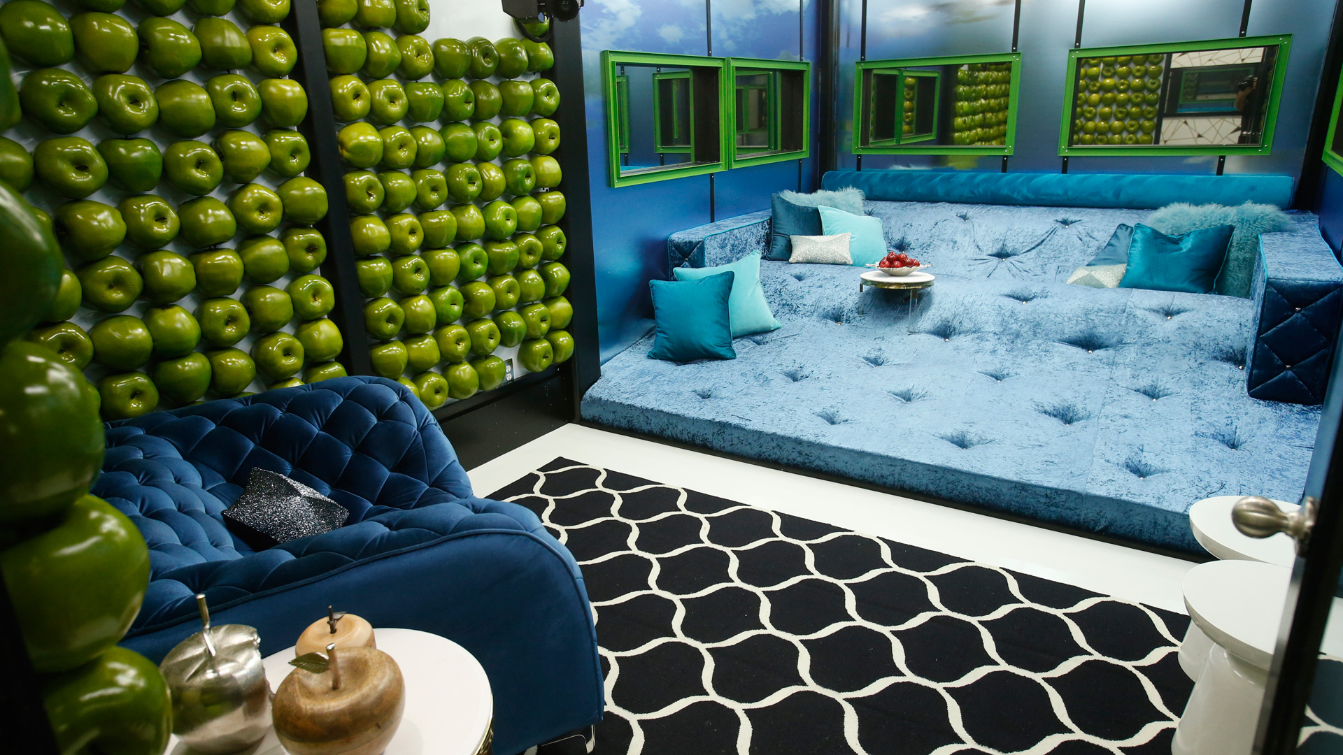 Check out this cozy lounge where the group will kick back.