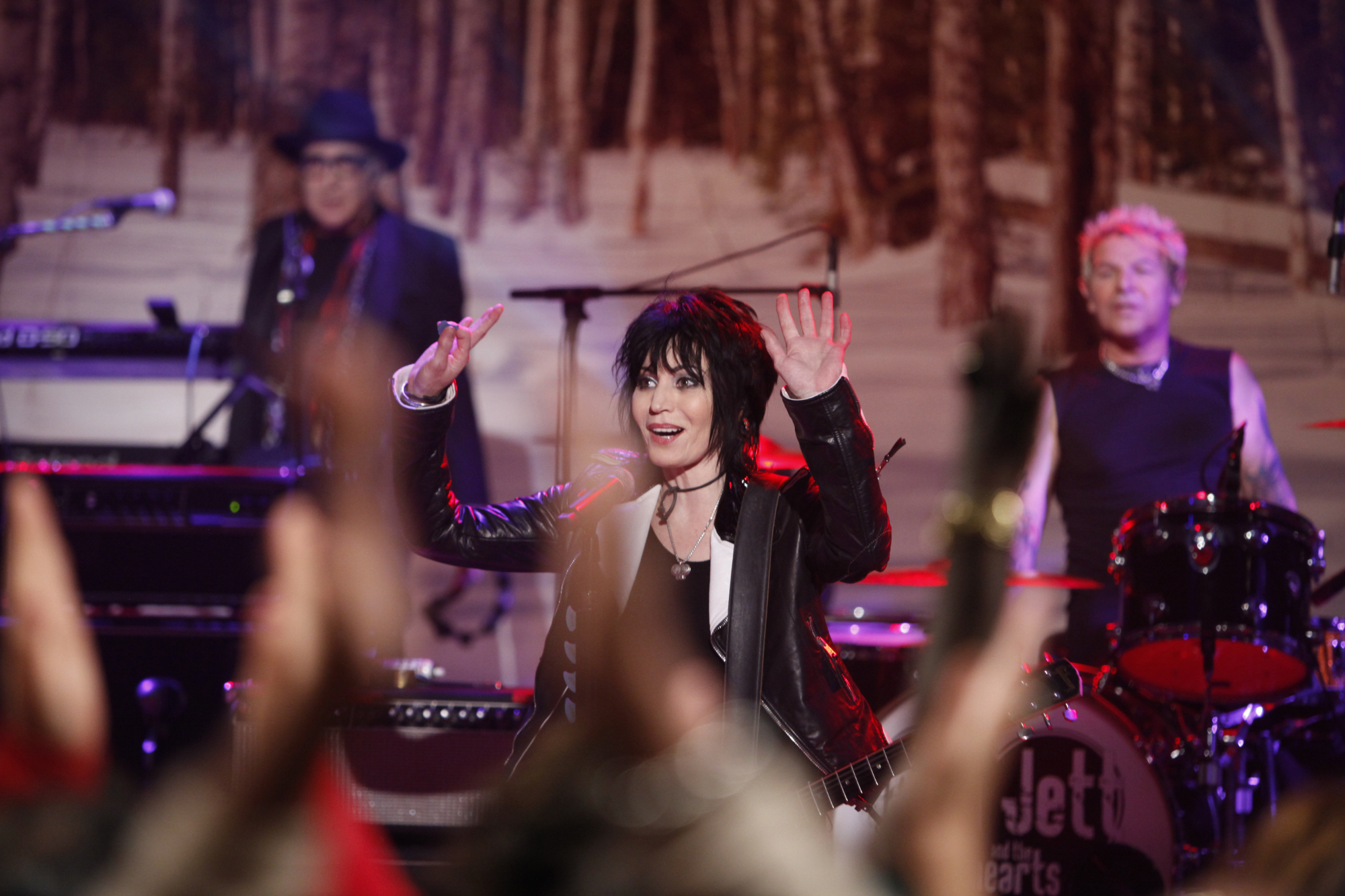 Joan Jett & the Blackhearts On THE TALK.