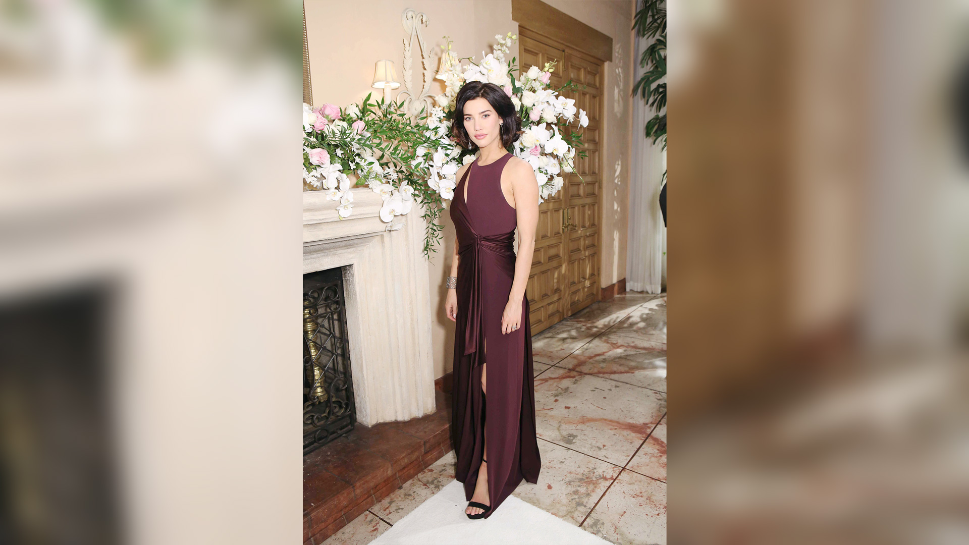 Steffy Forrester (Jacqueline MacInnes Wood) in a stunning evening dress.