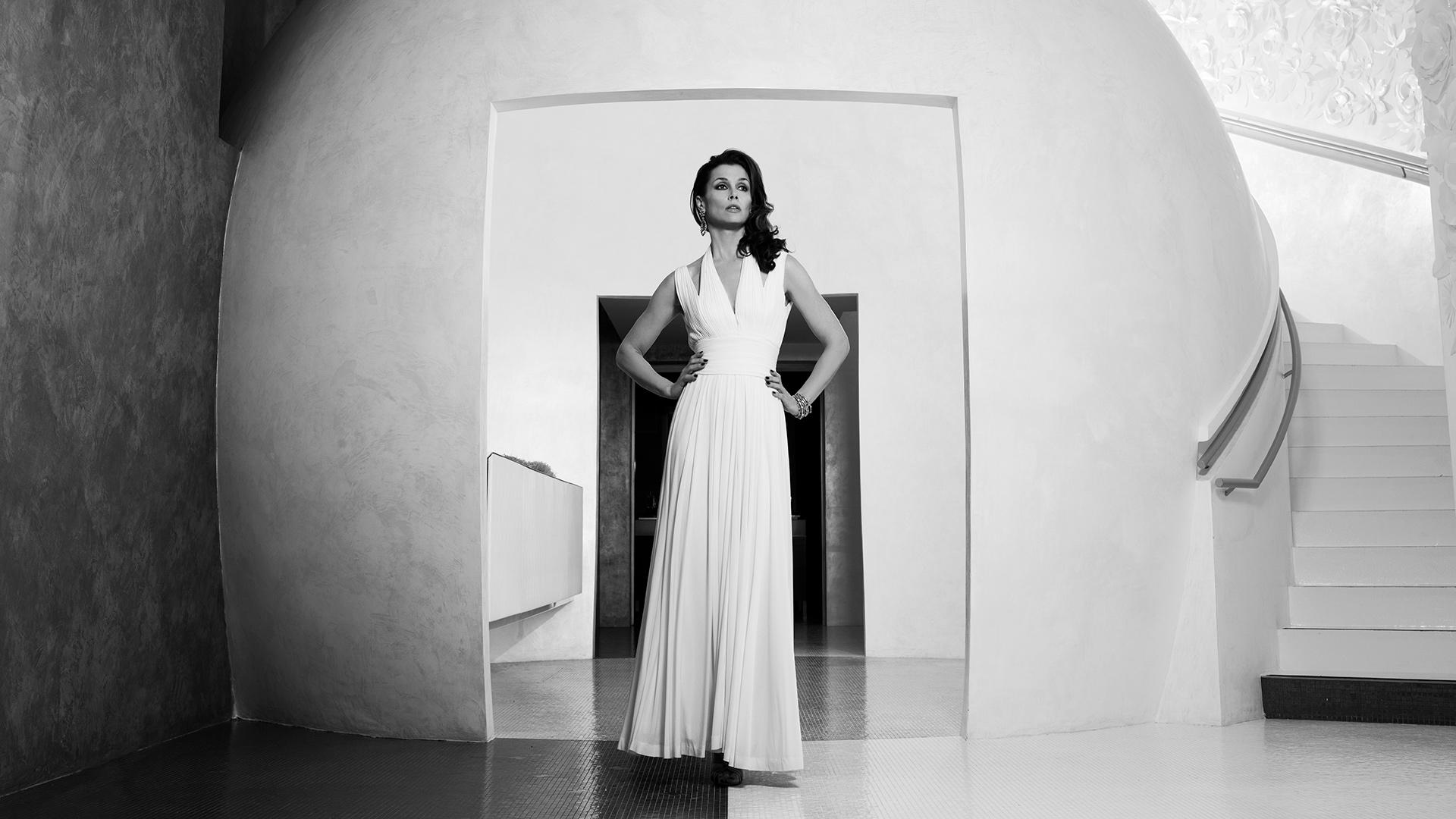 Bridget Moynahan strikes a pose at the Mandarin Oriental in Paris