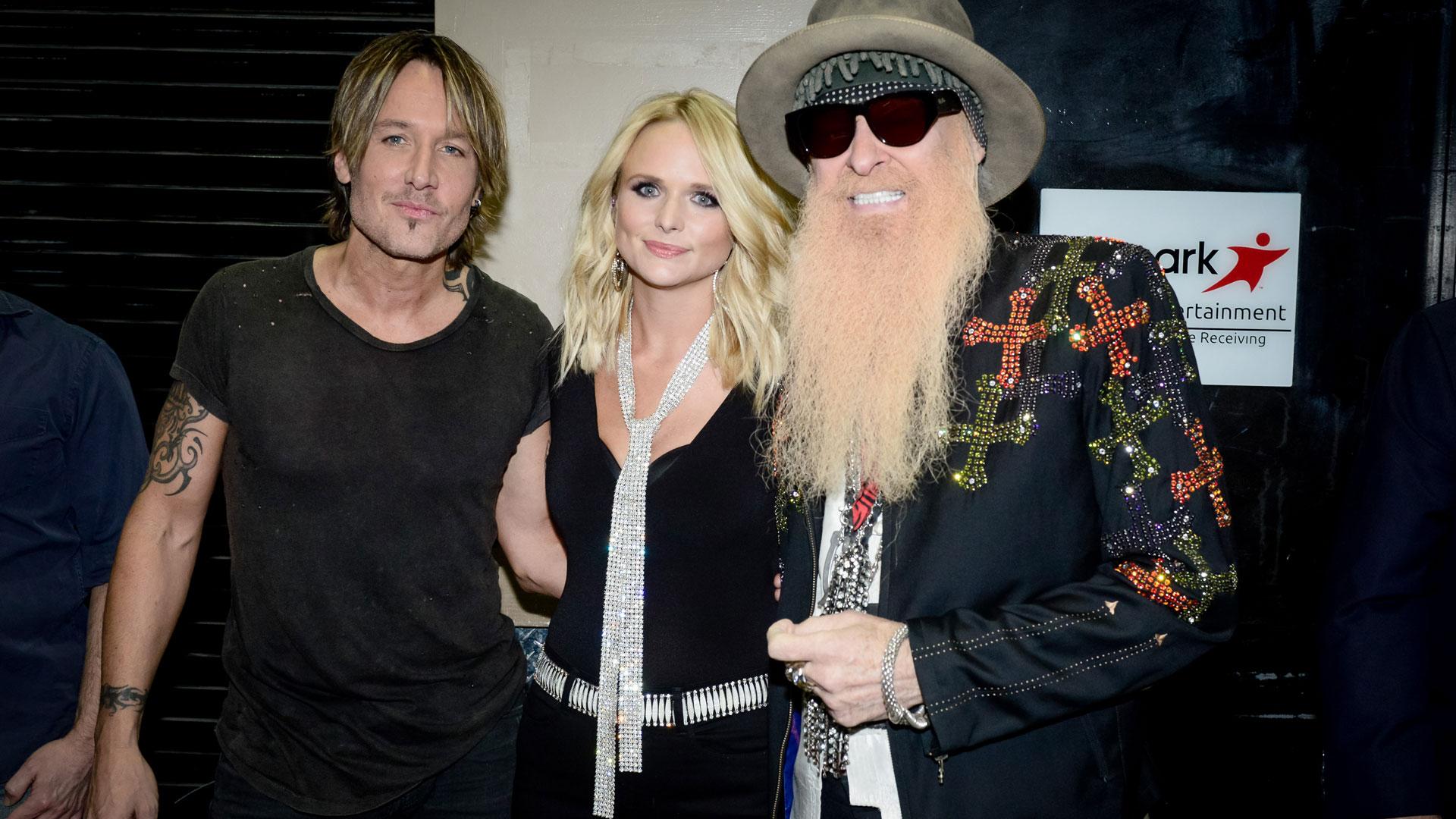 Keith Urban, Miranda Lambert, and ZZ Top guitarist Billy Gibbons hugged backstage before performing