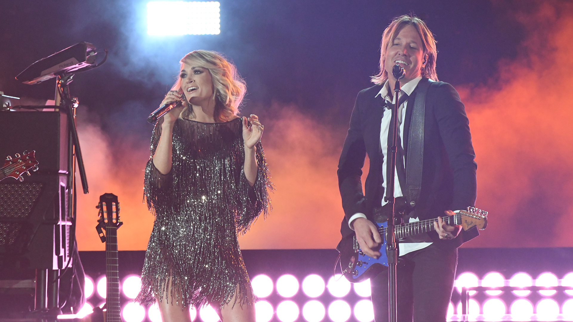 Keith Urban and Carrie Underwood perform