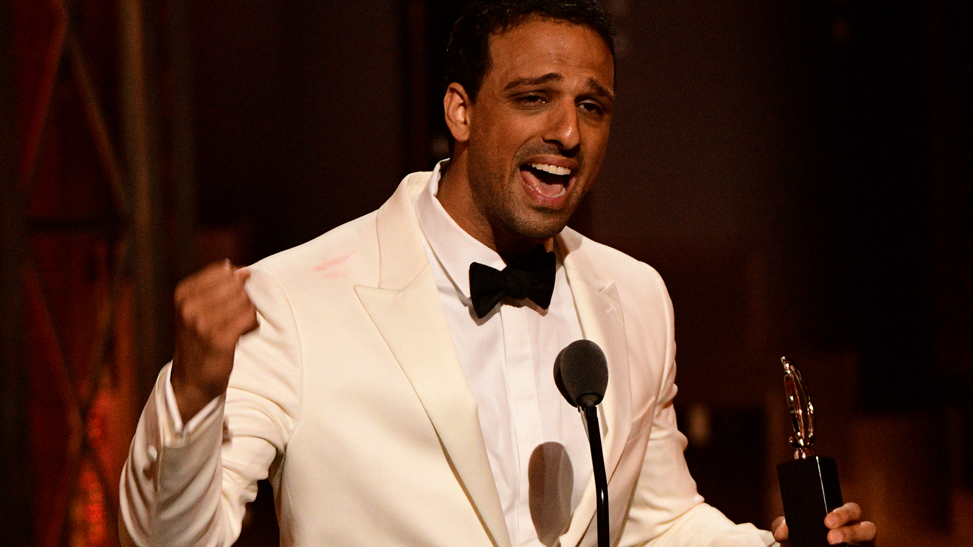 Ari'el Stachel wins Best Featured Actor in a Musical at the 2018 Tony Awards.