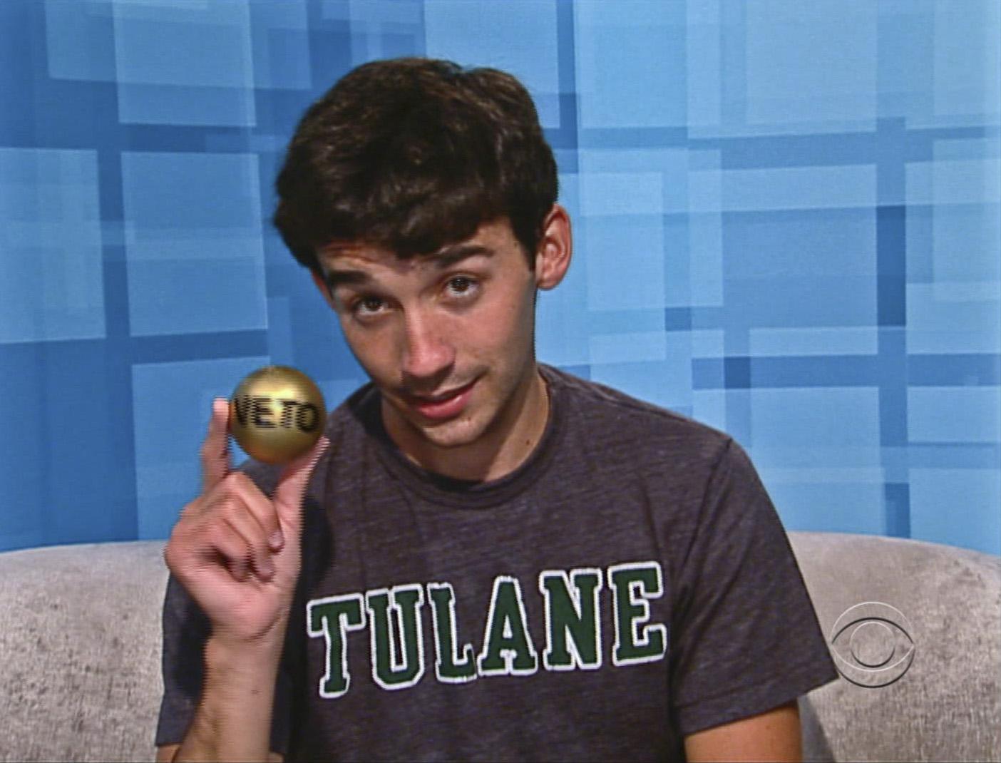 Ian Wins the Veto Ball