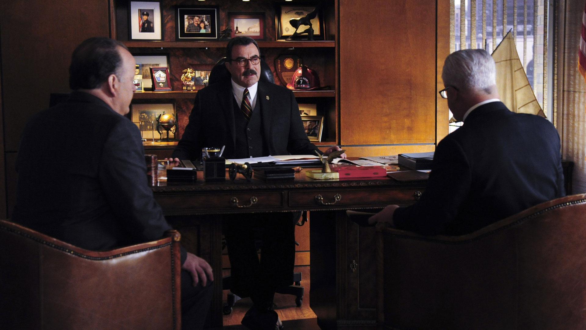 Tom Selleck as Frank Reagan