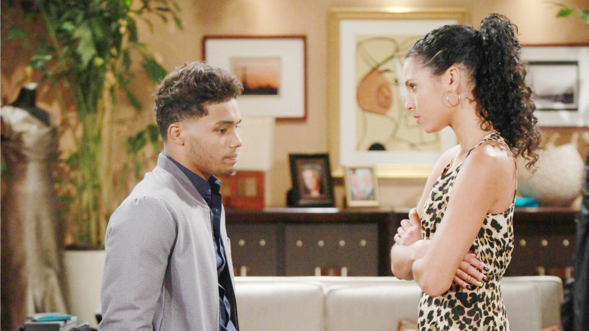 Deeply hurt by Nicole's disregard for his feelings, Zende plans an impromptu trip with Sasha.