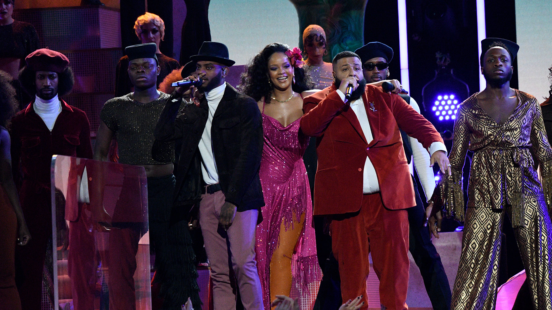 Rihanna, DJ Khaled, and Bryson Tiller ignite the stage with their popular hit song