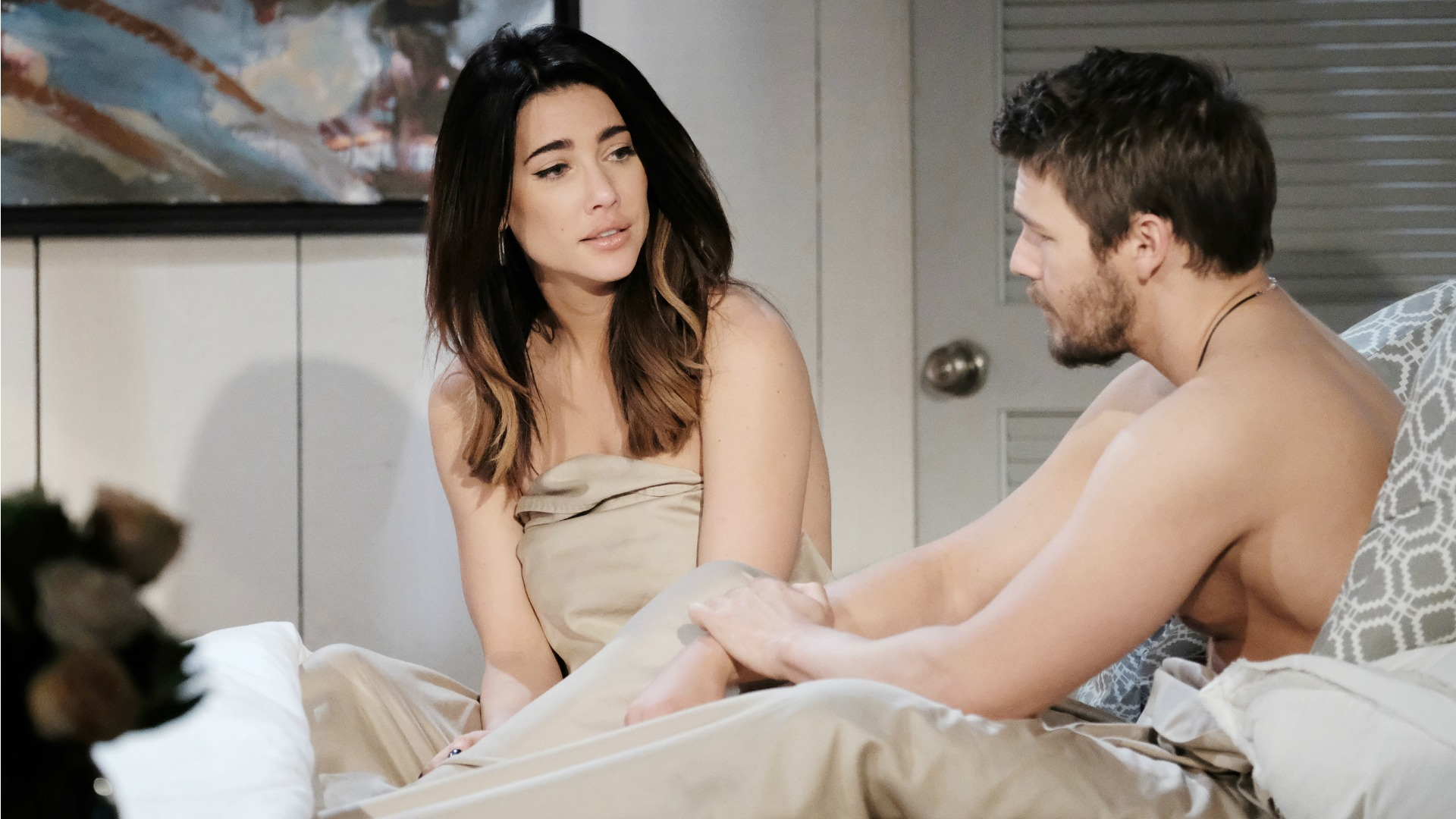 Tensions rise between Steffy and Liam as she contemplates Eric and Quinn's generous offer of moving back into the Forrester Mansion.