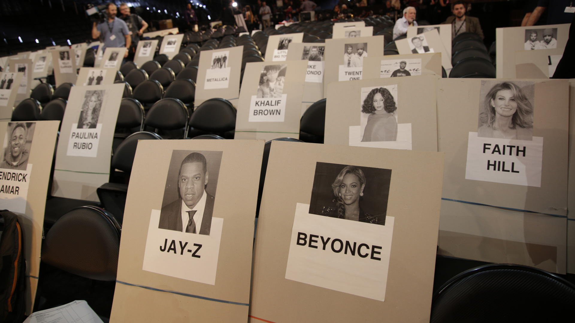Jay Z and Beyoncé, who's expecting twins and perhaps a few GRAMMY wins, will be seated next to each other on GRAMMY night.