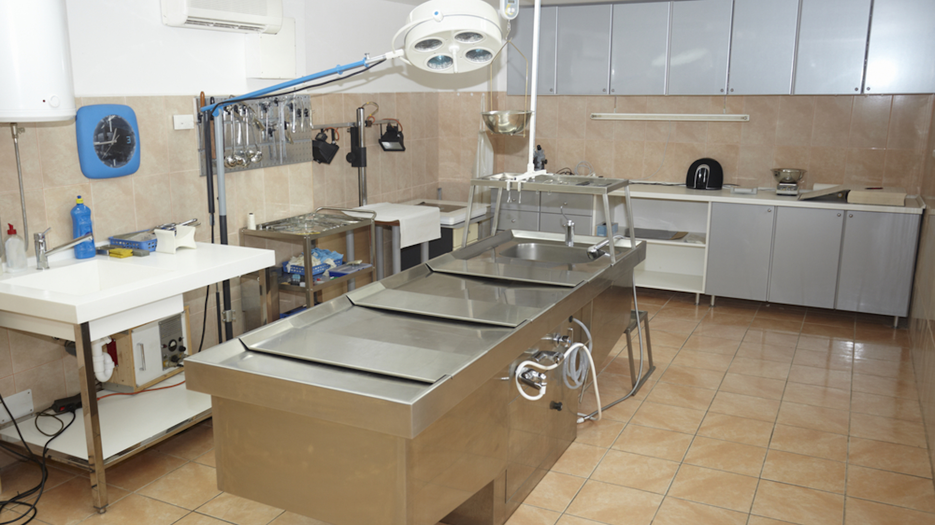 A real autopsy room