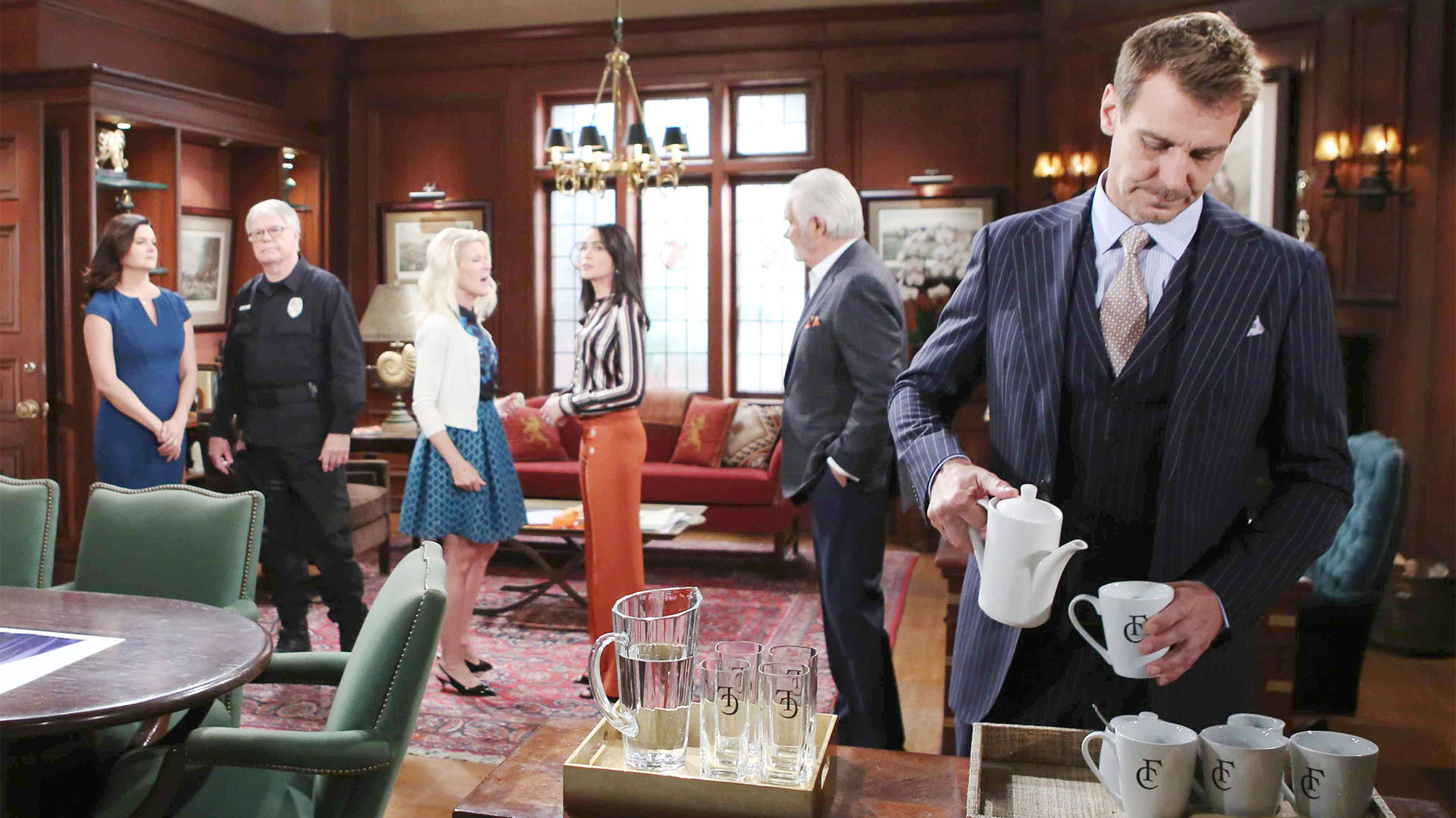 Thorne begrudgingly participates in planning Brooke and Ridge's wedding with Katie, Ivy, Pam, and Maya.